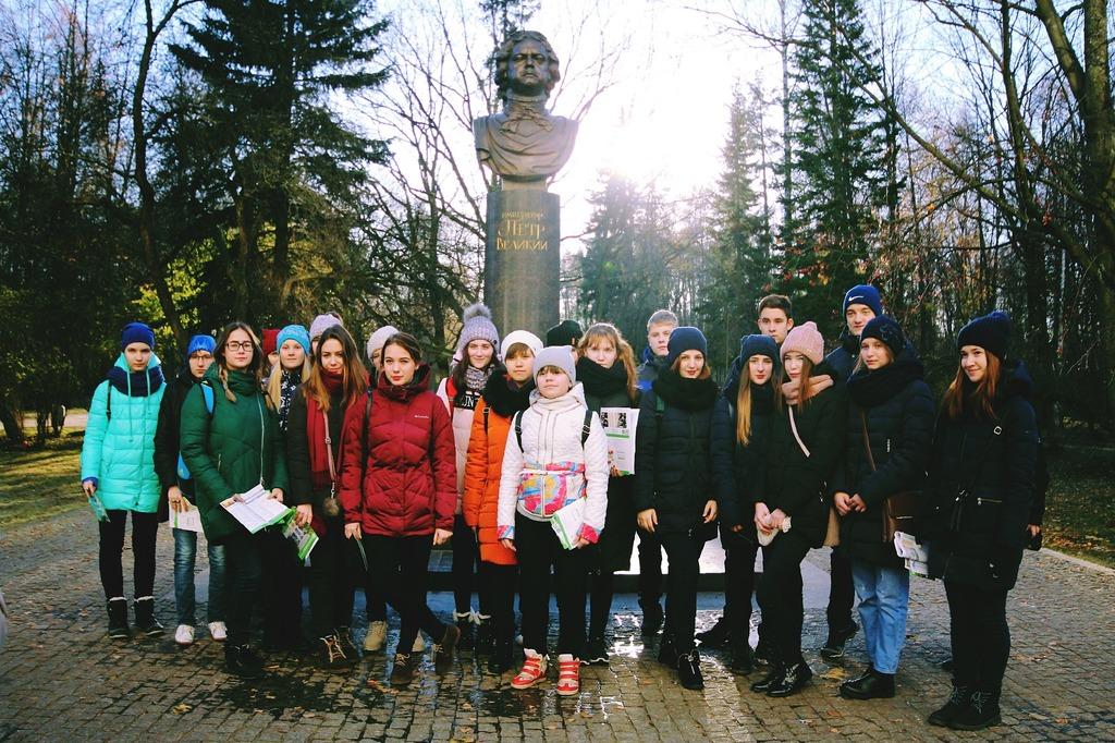 Экскурсия для учащихся школ республики Коми по лабораториям ИММиТ