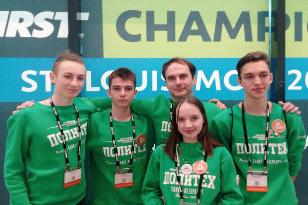 Участники школы «Инженеры будущего России» показали достойные результаты на чемпионатах по робототехнике