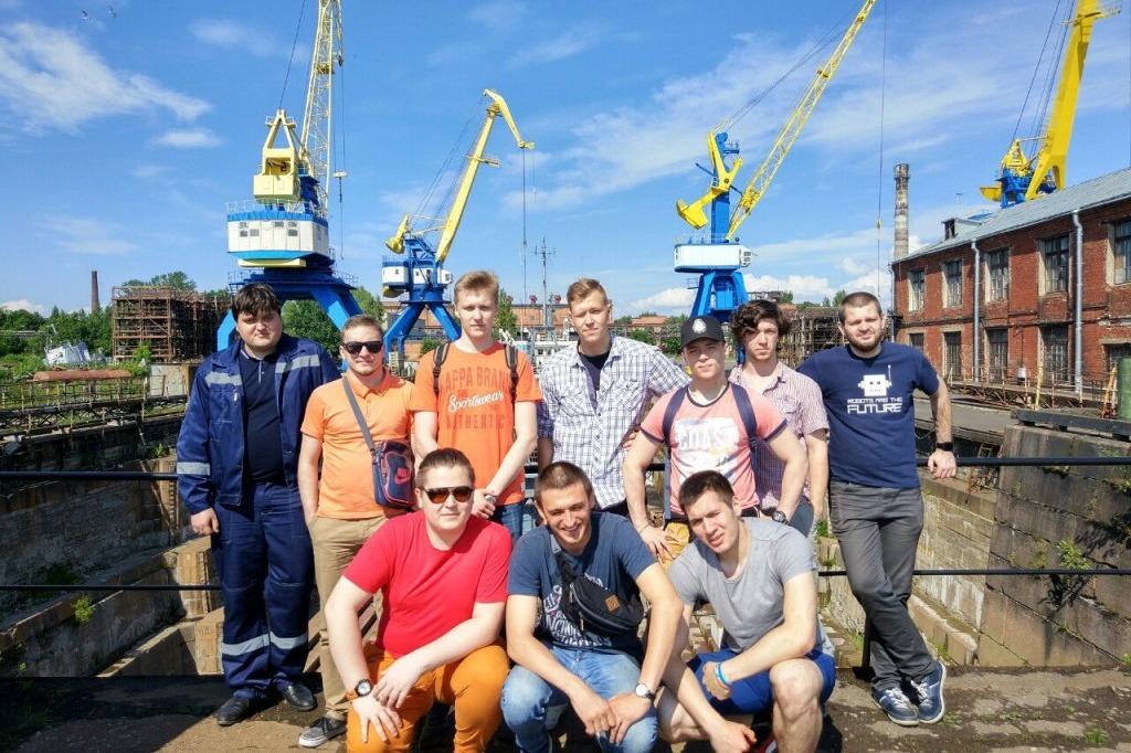 Экскурсия студентов ИММиТ на Морской Кронштадтский завод