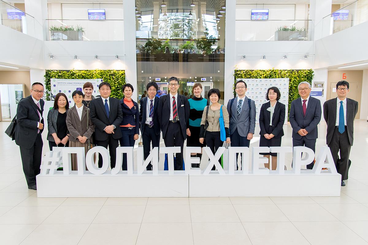 Делегация из Японии посетила СПбПУ в годовщину открытия центра «Kawasaki - Политех»