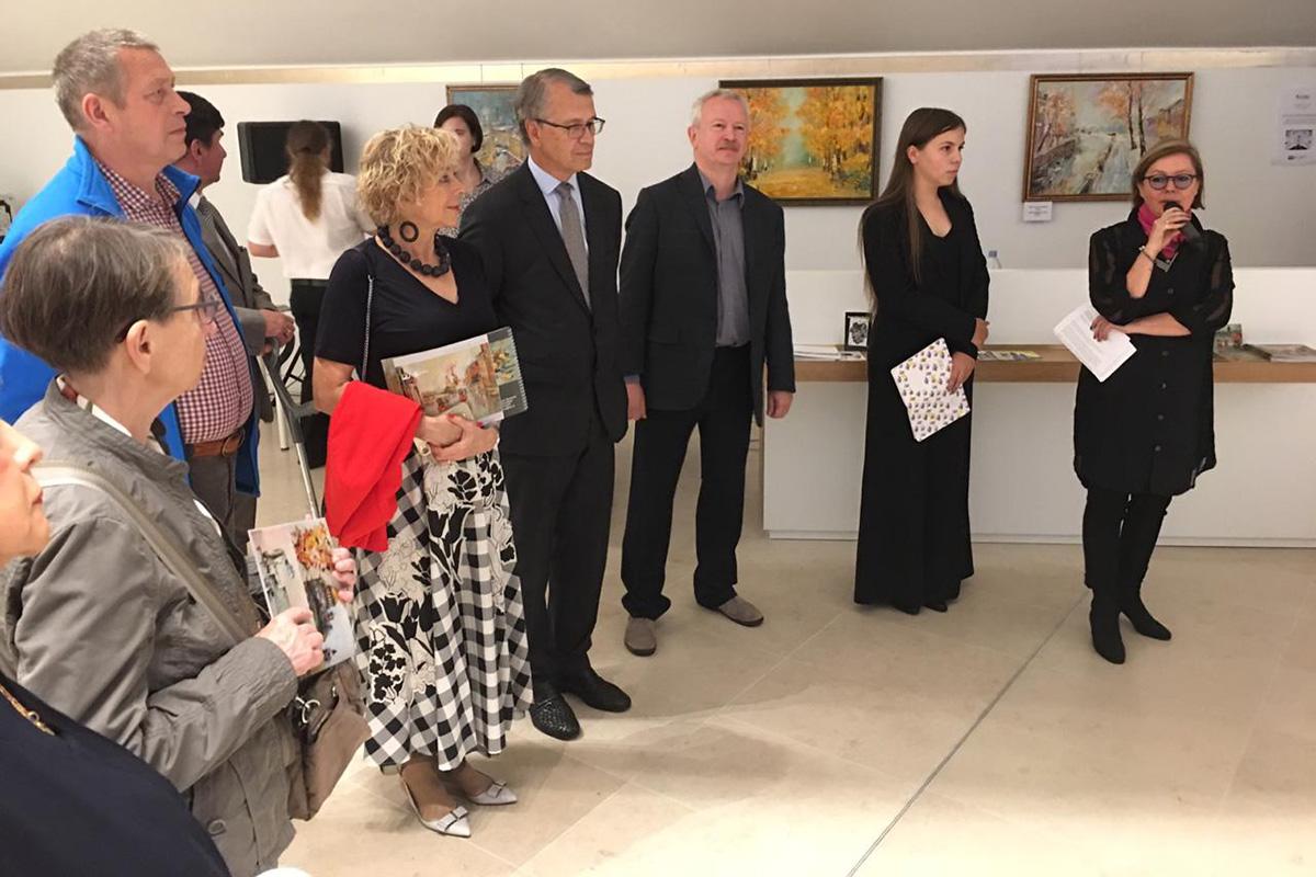 Политех в Париже: состоялось громкое открытие выставки работ политехников