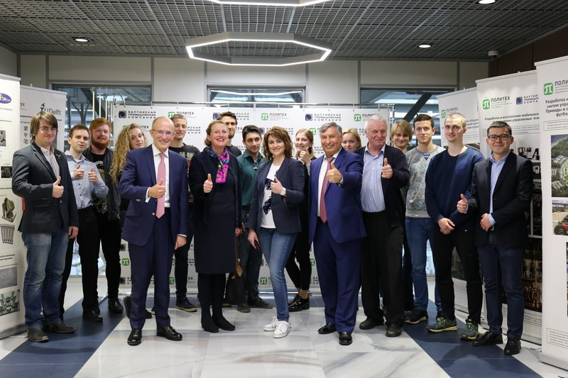 Визит президента Сити, Университета Лондона сэра Пола КАРРАНА и его супруги на ЗАО «Балтийская промышленная компания».